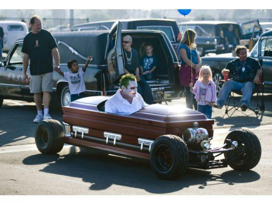 caleb_wilde_creepy_hearse_show