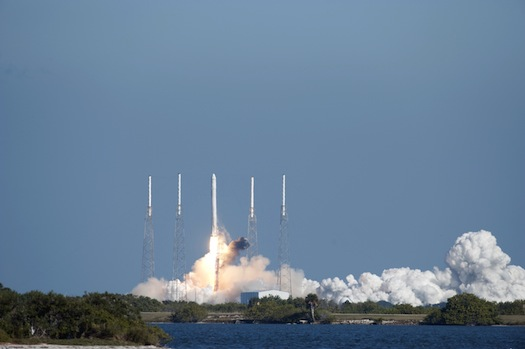 spacex_dragon_launch