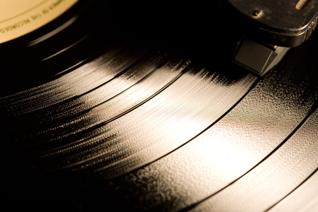 turning-ashes-into-vinyl-records