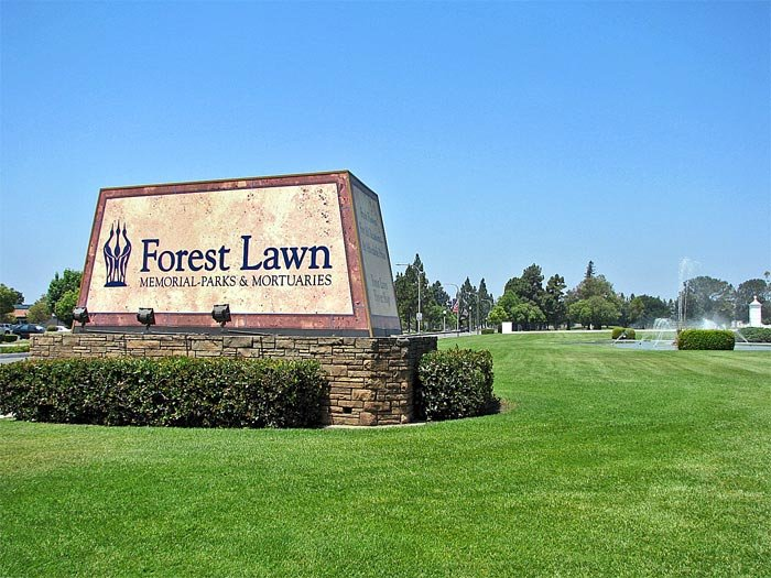 Forest-Lawn-Gate-area