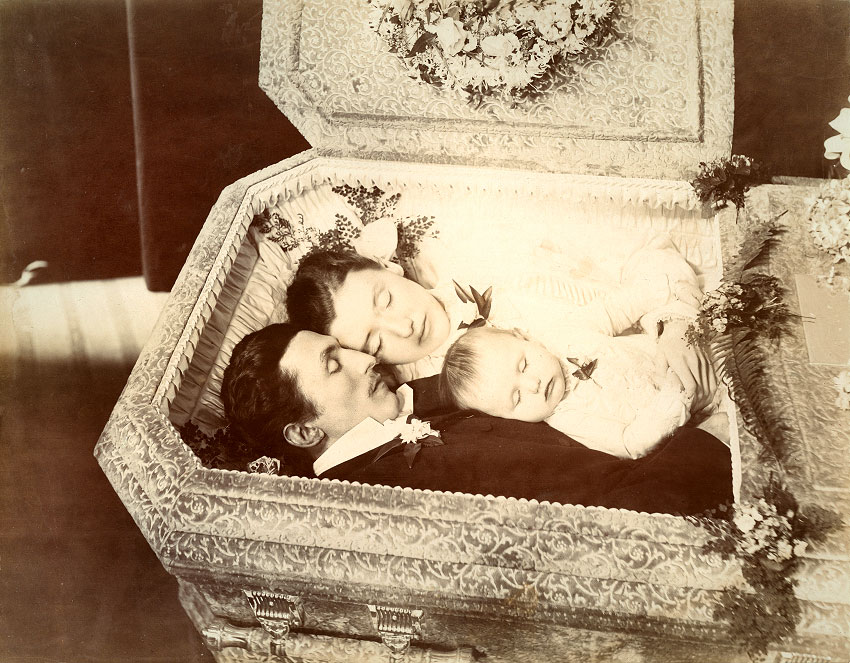 Populair CD Exclusive: Let's Talk About Victorian Post-Mortem Photography  @DI02
