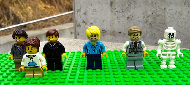 LEGO Grieving Family