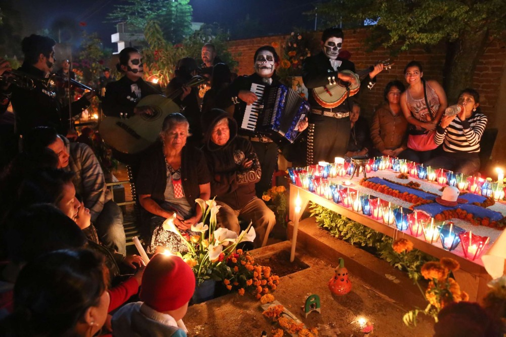 Day of the Dead Mourners
